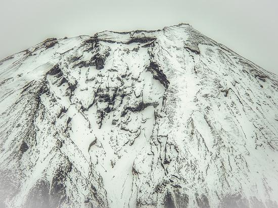 荒々しい富士山の大沢崩れ