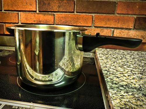 我が家の片手圧力鍋