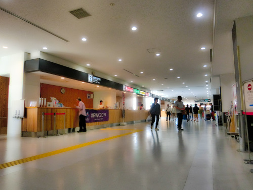 富士山静岡空港の建物の中