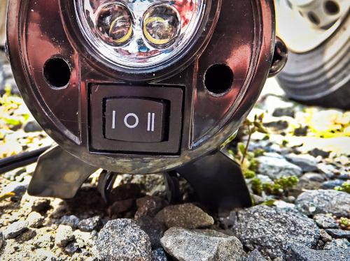 車用のエアーコンプレッサーのスイッチ